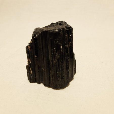 Fekete Turmalin nyers nagyobb