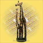 Zsiráf gyermekével fa figura 60cm