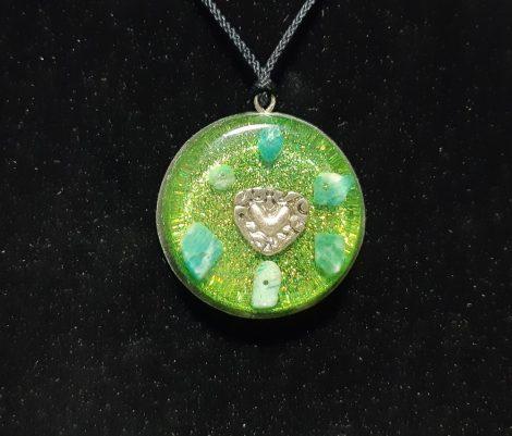 Zöld szív-Orgonit  medál