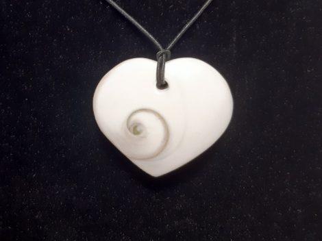 Operkulum csiga-Shíva szeme-szív medál
